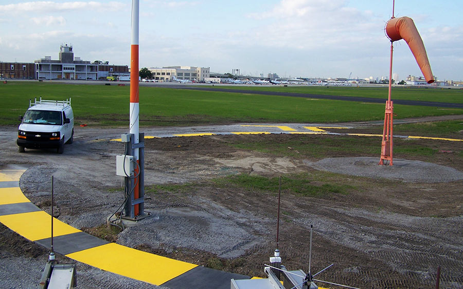 NAVAIDS, PAPIS, REILS - New Orleans Lakefront Airport, Louisiana